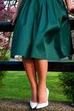 Härlig elegant kvinna i lång kjol royaltyfria bilder