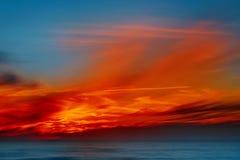 Härlig färgrik solnedgång på det baltiska havet Gdansk fjärd, Pomerania, Polen Royaltyfri Fotografi