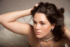 härlig förväntan som ut ser kvinnan Fotografering för Bildbyråer