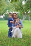 härlig familj royaltyfria foton