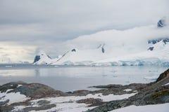 Härlig fjärd i Antarktis Fotografering för Bildbyråer