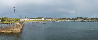 Härlig fjärd i den Rathlin ön Arkivfoto