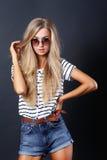 Härlig flicka för mode Fotografering för Bildbyråer