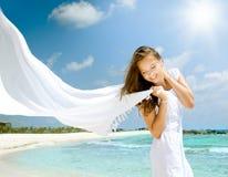 härlig flicka för strand royaltyfri fotografi