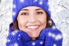 Härlig flicka för vinter royaltyfri foto