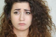 härlig flicka haired lockig flicka foto Arkivfoto