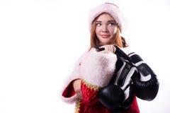 Härlig flicka i dräkt av Santa Claus arkivfoto