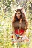 Härlig flicka i en skog Fotografering för Bildbyråer