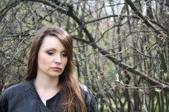 Härlig flicka i sorg. Arkivbild