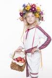 Härlig flicka i ukrainska etniska kläder Royaltyfria Bilder