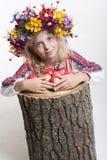Härlig flicka i ukrainska etniska kläder Royaltyfri Fotografi