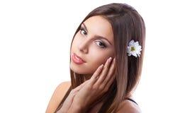 Härlig flicka med långt brunt hår Royaltyfri Fotografi