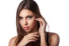 Härlig flicka med långt brunt hår Arkivbilder
