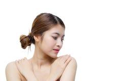 Härlig flicka med makeup-, ungdom- och hudomsorgbegrepp Royaltyfria Bilder