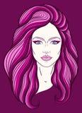 Härlig flickaframsida med bästa fnurenhårstil, smink och frilägeuttryck Hand dragen stiliserad kvinnastående Arkivbilder