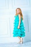 Härlig flickaktigt klänning royaltyfri fotografi