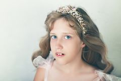 härlig flickaprincess arkivbilder
