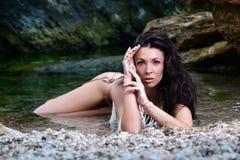 härlig flickastående för strand Arkivbilder