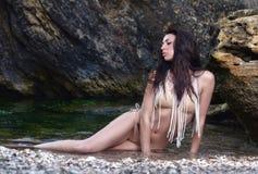 härlig flickastående för strand Arkivbild