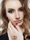 härlig flickawhite för bakgrund Royaltyfria Bilder