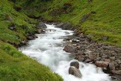 Härlig flod i Norge Arkivfoto