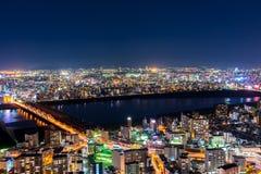 Härlig flyg- nattsikt av Osaka Cityscape, Japan Arkivfoto