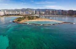 Härlig flyg- sikt av den Waikiki stranden Angel Island Oahu Hawaii arkivfoto