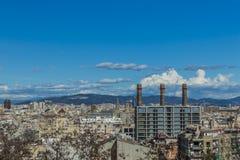 Härlig flyg- sikt av en del av staden av Barcelona Spanien royaltyfri foto