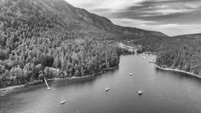 Härlig flyg- sikt av Genoa Bay i British Columbia, Kanada Arkivfoton
