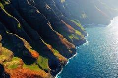 Härlig flyg- sikt av kusten för Na Pali Royaltyfri Fotografi