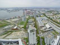 Härlig flyg- sikt av Osaka portcityscape Arkivbilder