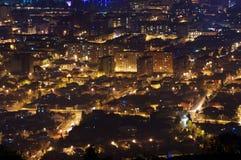 Härlig flyg- sikt av stads- Cityscape på natten Batumi Georgia Royaltyfri Fotografi