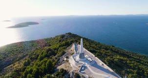 Härlig flyg- video av Primosten, Kroatien, Europa arkivfilmer