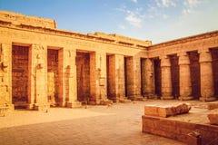 Härlig forntida tempel av Medina-Habu Egypten Luxor fotografering för bildbyråer