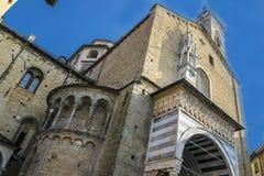 Härlig forntida tempel i mitten av Bergamo i Italien Arkivbilder