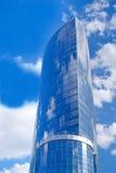 härlig futuristic skyskrapa Royaltyfria Foton