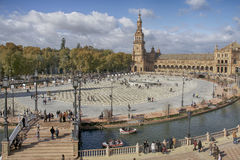 Härlig fyrkant av Spanien i Seville, Spanien Royaltyfri Foto