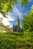 Härlig gammal kristen kyrka i trät Arkivbild