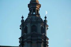 Härlig gammal spets av kyrkan Royaltyfri Bild
