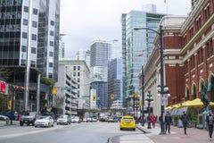 Härlig gatasikt i Vancouver i stadens centrum - VANCOUVER - KANADA - APRIL 12, 2017 Royaltyfri Fotografi