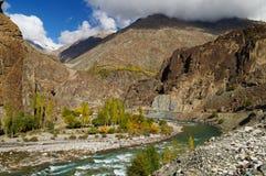 Härlig Ghizer dal i nordliga Pakistan Arkivbilder