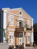 härlig grekisk villa Arkivfoto