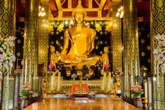 Härlig guld- Buddha Arkivfoton