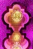 Härlig guld- ljuskrona Royaltyfri Bild