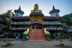 Härlig guld- tempel i Dambulla Royaltyfri Fotografi