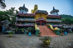 Härlig guld- tempel i Dambulla Fotografering för Bildbyråer