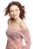 härlig haired model röd white för bakgrund Arkivfoton