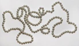 Härlig halsband och armband som göras av pärlor Fotografering för Bildbyråer