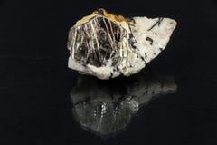 Härlig halv-dyrbar sten på en svart bakgrund Royaltyfria Bilder