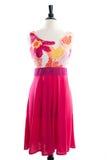 Härlig handgjord klänning på manequin Arkivbilder